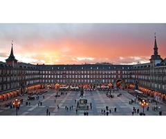 El Teatro de la Zarzuela en la Plaza de Mayor de Madrid